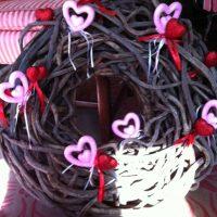 katie-brown-valentines-day-wreath-diy
