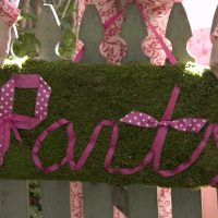 moss party sign
