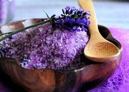 http://katiebrown.com/bath-salts-with-herbs/
